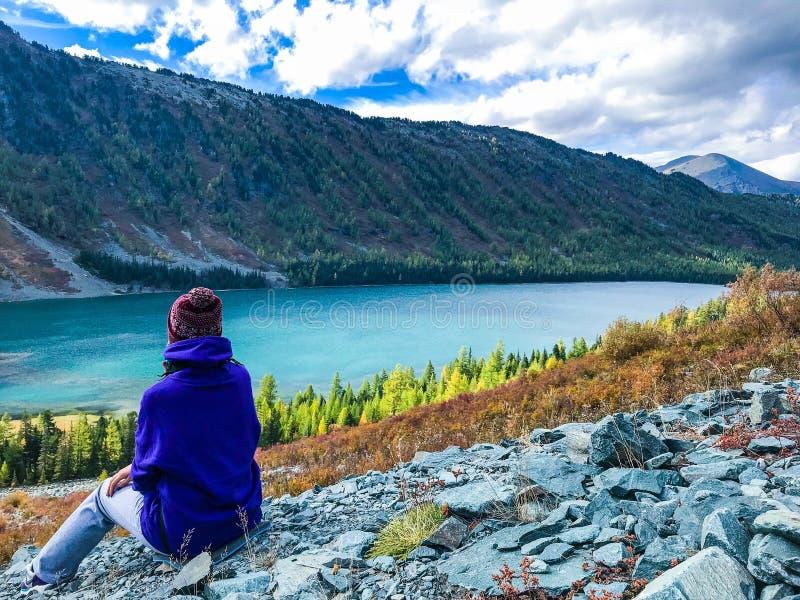 阿尔泰山的本质 湖Multinskoe 俄国 2018年9月 库存照片