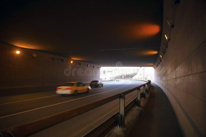 Download 阿尔玛蒂市 库存图片. 图片 包括有 运费, 高速公路, 天桥, 校正, trans, 旅行, 运输, 城市 - 62528071
