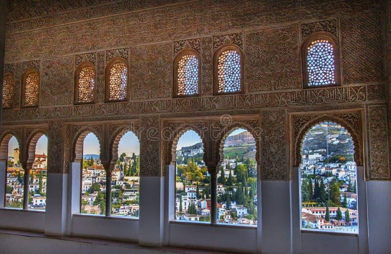 阿尔罕布拉宫摩尔人墙壁设计城市视图格拉纳达安大路西亚西班牙 免版税库存照片