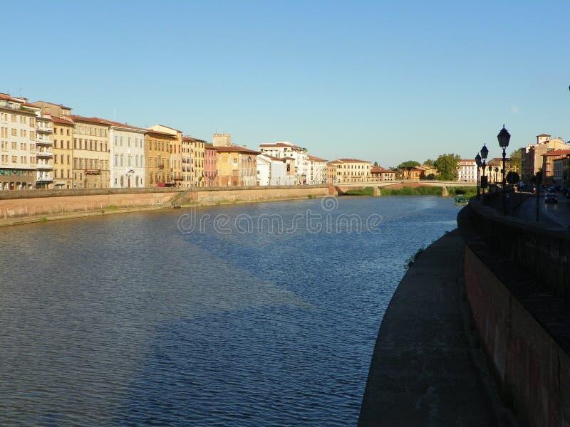 阿尔诺河在比萨 免版税库存照片