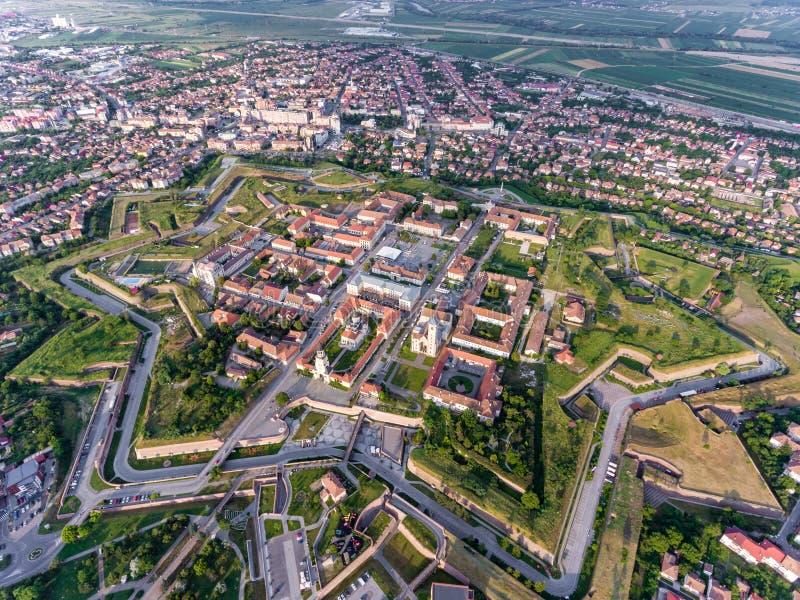 阿尔巴尤利亚-晨曲卡罗来纳州鸟瞰图A的中世纪堡垒 库存图片