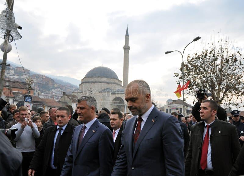 阿尔巴尼亚总理Edi Rama和科索沃总理哈希姆・特哈契在普里兹伦 免版税库存图片