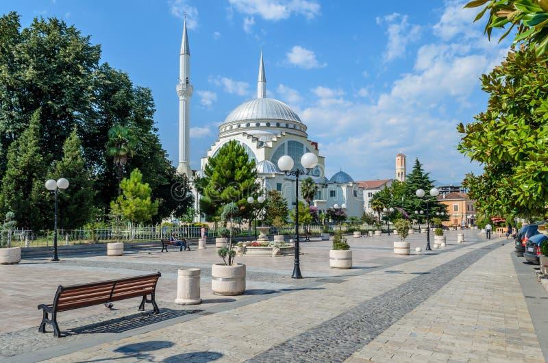 阿布・伯克尔清真寺在斯库台的中心 通风 免版税图库摄影