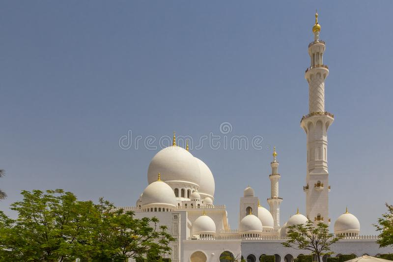 阿布扎比,阿拉伯联合酋长国,2015年7月7日:扎耶德,盛大清真寺回教族长 免版税图库摄影