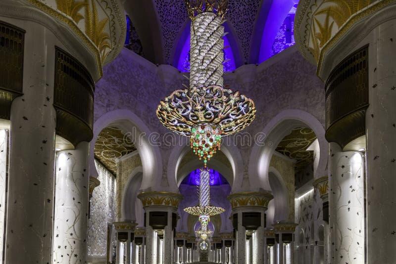 阿布扎比,阿联酋,回教族长扎耶德Mosque的内部 免版税库存图片