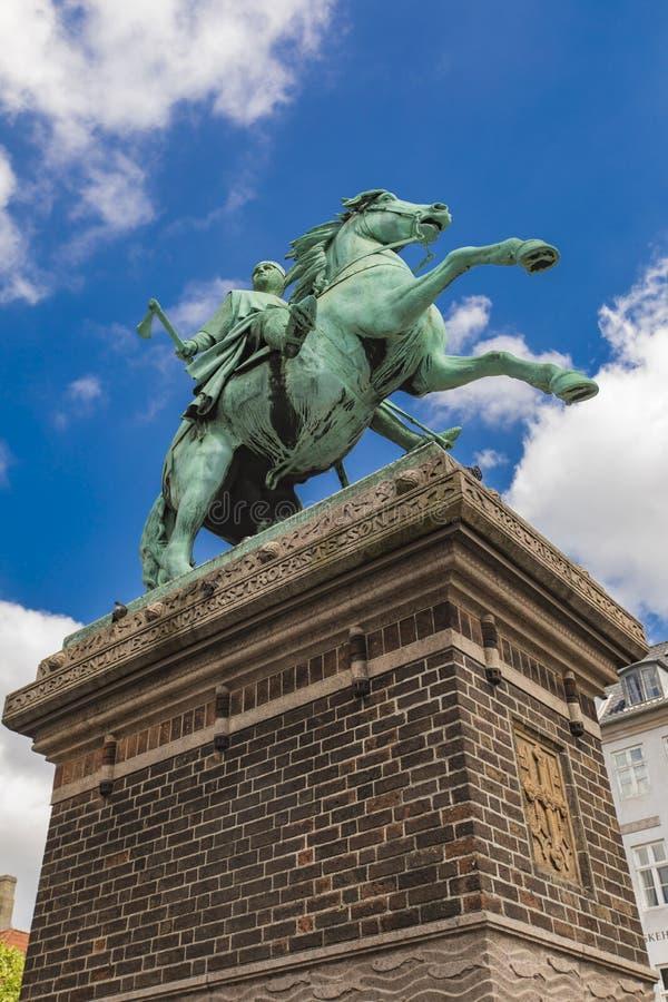 阿布萨隆主教雕象在哥本哈根,丹麦 免版税库存照片