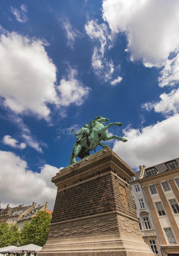 阿布萨隆主教雕象在哥本哈根,丹麦 库存照片