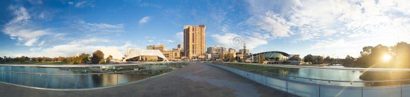 阿德莱德市在日落的澳大利亚 免版税库存图片