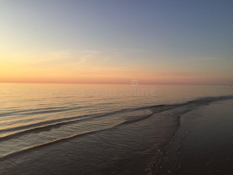 阿德莱德澳大利亚海滩,日落 免版税库存图片