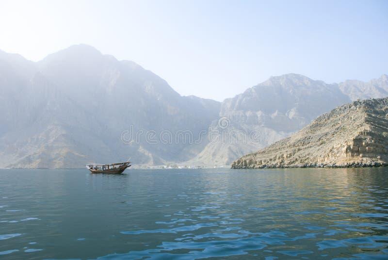 阿拉伯单桅三角帆船 免版税库存图片
