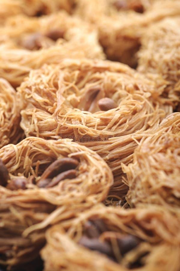 阿拉伯可口新鲜的kanafeh甜点 库存图片