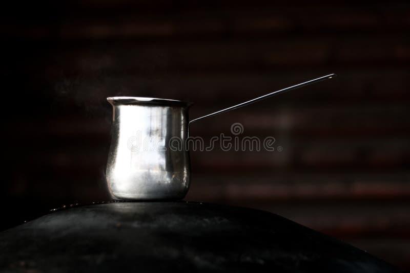 阿拉伯咖啡罐 免版税库存图片