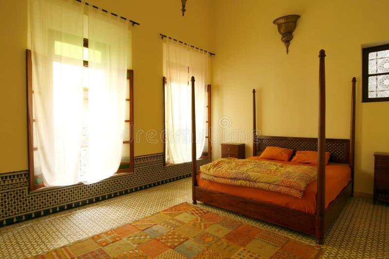 阿拉伯地道美丽的卧室摩洛哥 图库摄影