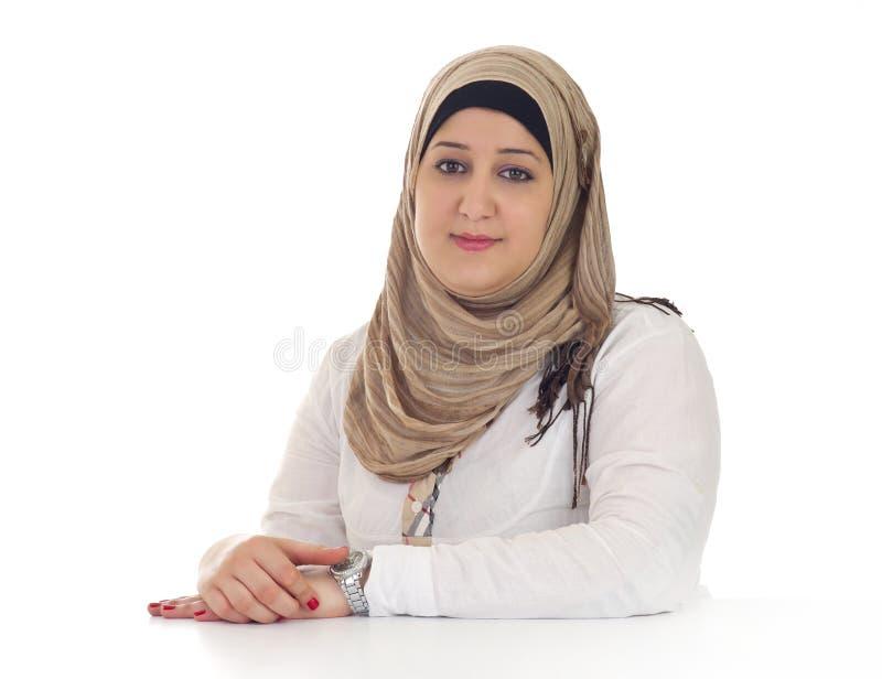 阿拉伯女实业家/执行委员在她的办公室 免版税库存图片