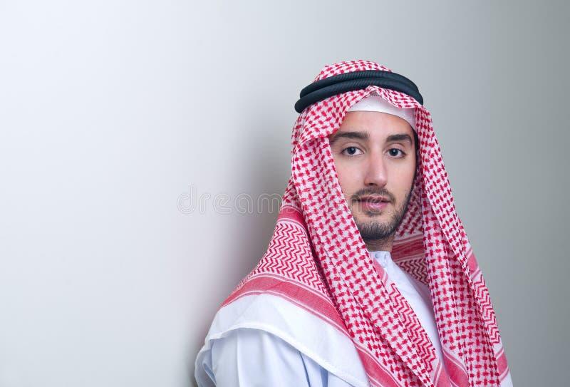 阿拉伯生意人英俊的纵向 库存图片