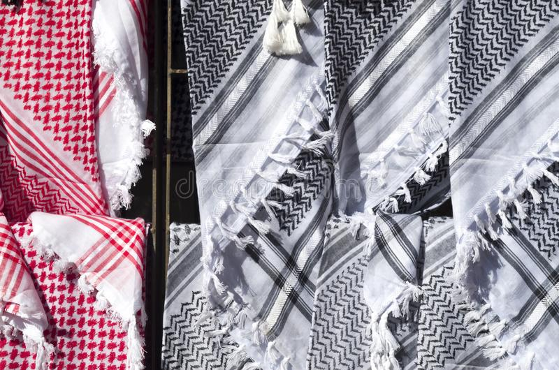阿拉伯男性头巾待售在约旦 免版税库存图片