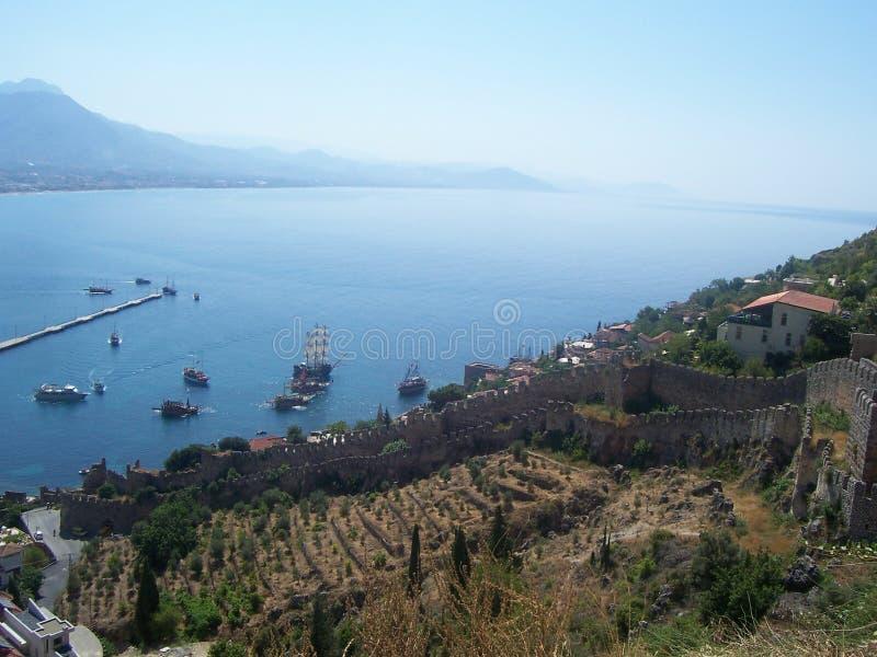 阿拉尼亚港口和海湾的看法从阿拉尼亚城堡,土耳其 免版税库存图片
