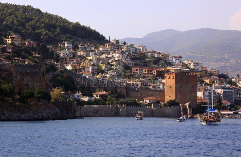 阿拉尼亚,有城堡的土耳其港  库存照片