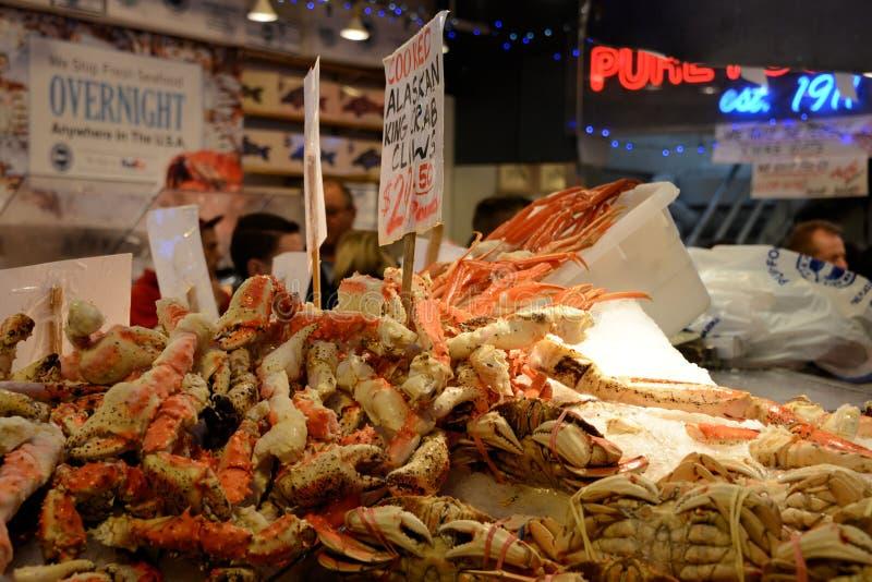 阿拉斯加的巨蟹爪待售 免版税库存图片