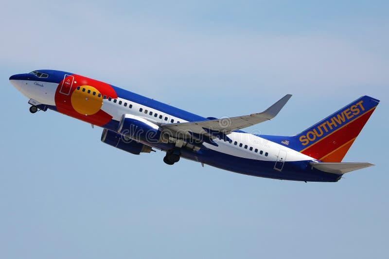 阿拉斯加航空公司从拉斯维加斯机场起飞 免版税图库摄影