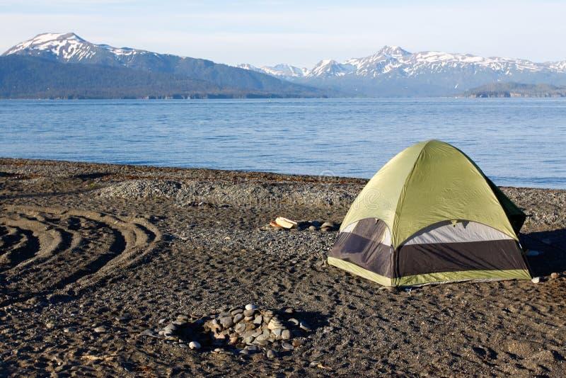 阿拉斯加-荷马唾液帐篷野营 免版税图库摄影