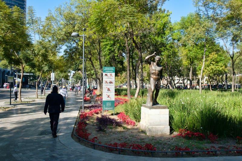 阿拉米达中央公园在墨西哥城的历史的中心 库存照片