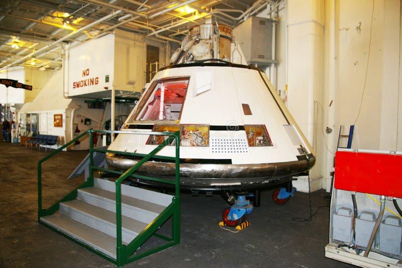阿拉米达,美国- 2010年3月23日:阿波罗11模块,航空母舰大黄蜂在阿拉米达, 2010年3月23日的美国 库存照片