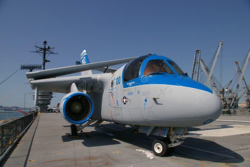 阿拉米达,美国- 2010年3月23日:S-3北欧海盗,航空母舰大黄蜂在阿拉米达, 2010年3月23日的美国 库存照片