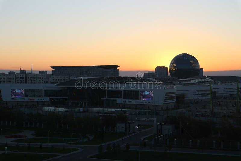 阿斯塔纳,哈萨克斯坦,2018年9月13日,'阿斯塔纳EXPO-2017'大厦的看法  库存图片