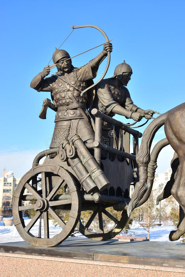 阿斯塔纳/哈萨克斯坦-以一个历史的哈萨克人战士为特色的纪念碑 库存图片