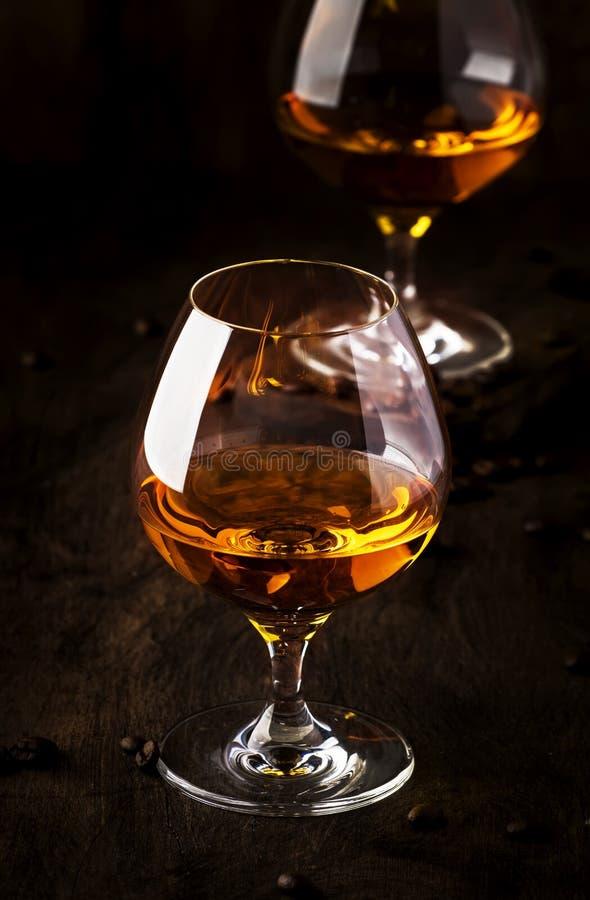 阿曼那白兰地,法国葡萄白兰地酒,强的酒精饮料 在葡萄酒样式,选择聚焦的静物画 图库摄影