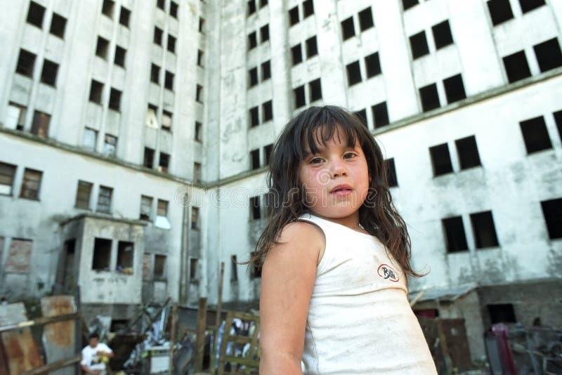 阿根廷女孩的纯净的贫穷在贫民窟 图库摄影