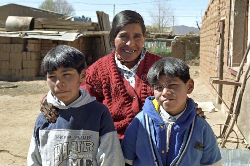 阿根廷印地安人家庭小组画象  库存图片