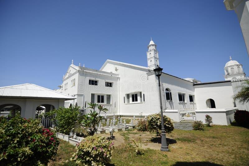 阿比丁清真寺的老坟园在瓜拉登嘉楼,马来西亚 免版税库存照片