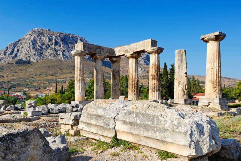 阿波罗教堂在古老科林斯湾,希腊 图库摄影