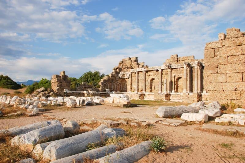 阿波罗教堂废墟在边土耳其城市 库存图片