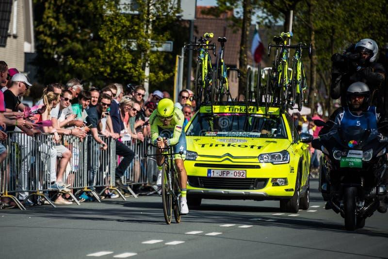 阿珀尔多伦,荷兰2016年5月6日;在意大利的游览的第一阶段的专业骑自行车者2016年 库存照片