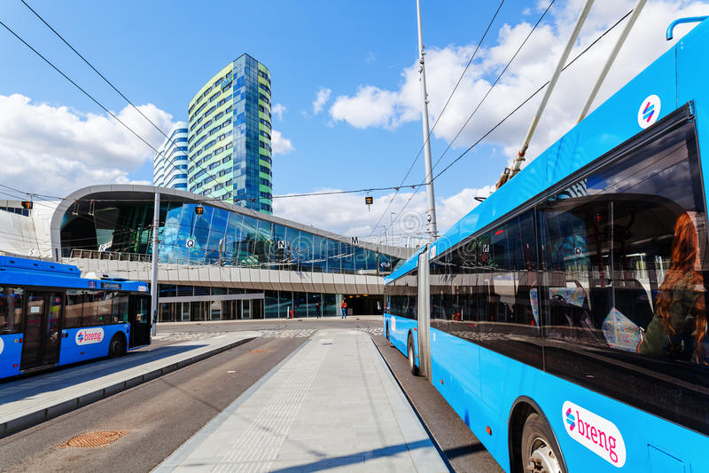 阿纳姆Centraal火车站在阿纳姆,荷兰 库存照片