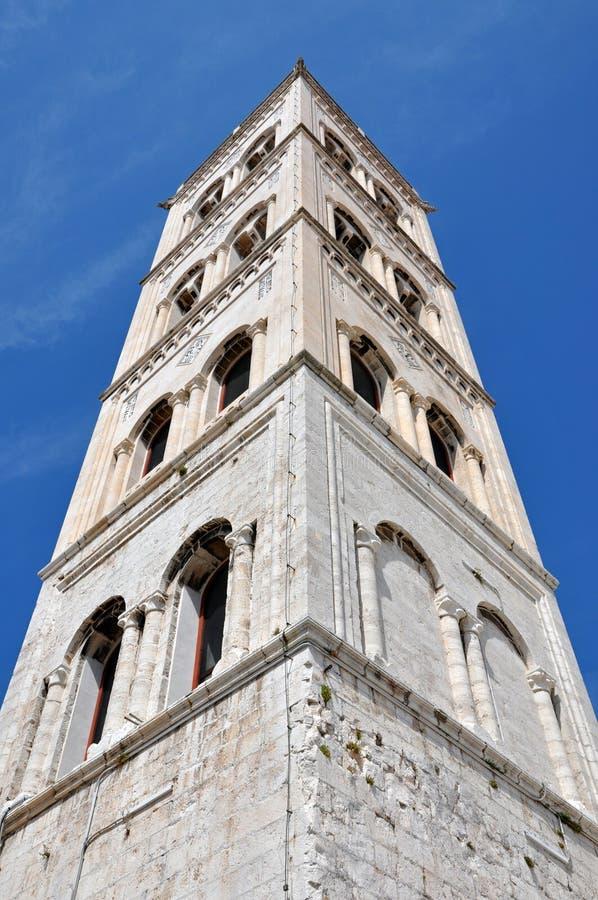 阿纳斯塔西娅大教堂的钟楼在扎达尔,克罗地亚 库存图片