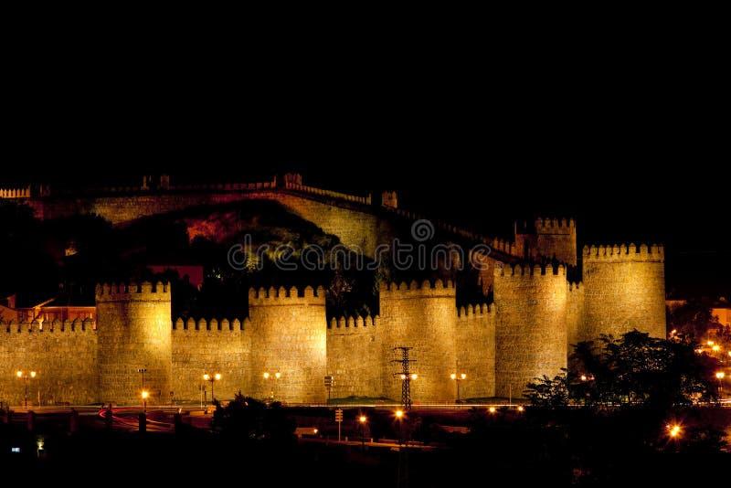 阿维拉在晚上,卡斯蒂利亚-莱昂,西班牙 库存照片