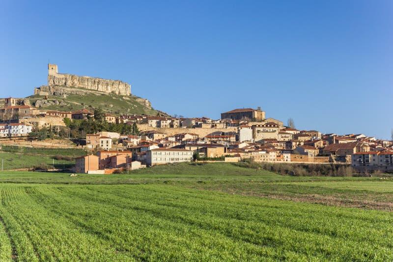 阿蒂恩萨和小山顶城堡 免版税库存图片