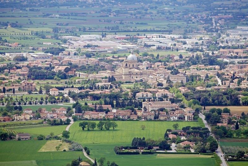 阿西西,意大利平原的全景  库存照片
