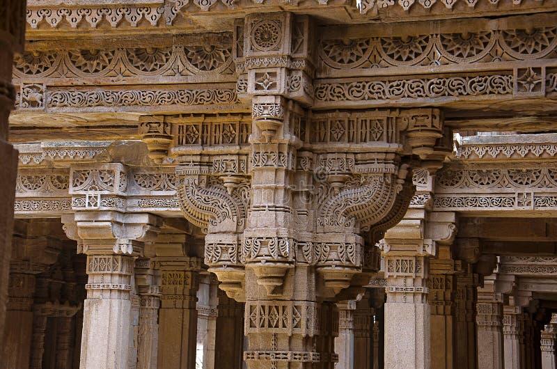 阿达拉杰Ni Vav Stepwell或Rudabai Stepwell内在看法  在1498年修造由蛙属改变方向辛哈是五个故事深深 艾哈迈达巴德, Guja 免版税库存图片