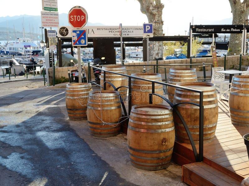 阿雅克修科西嘉岛港的边路餐馆  免版税图库摄影