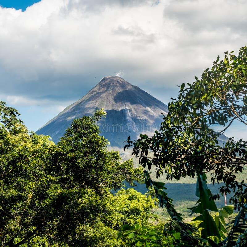 阿雷纳尔火山看法, 免版税图库摄影