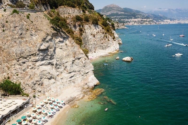 阿马尔菲海岸和背景Vietri和萨莱诺意大利 免版税库存图片