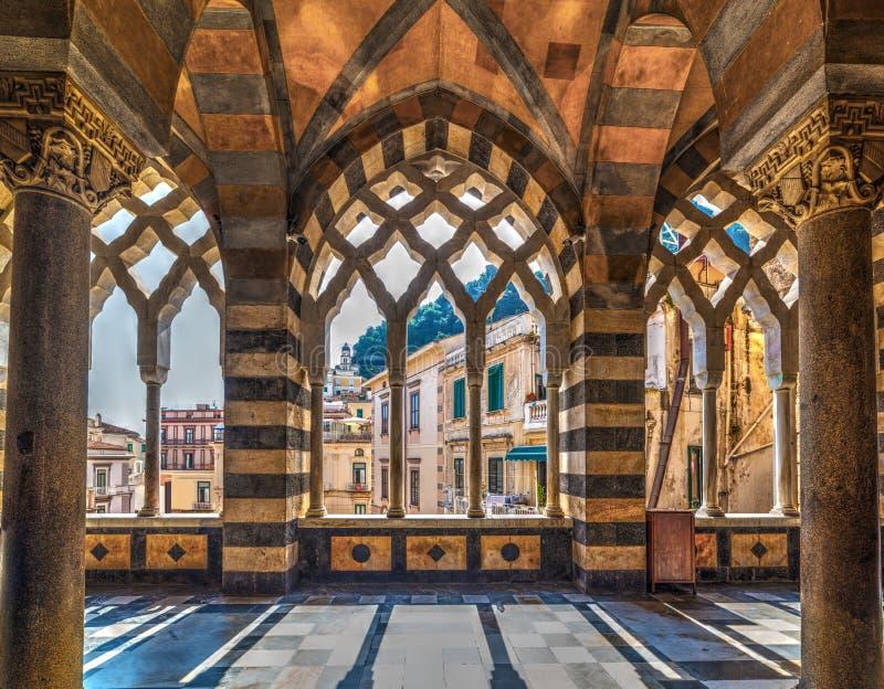 阿马飞大教堂内部看法  免版税图库摄影
