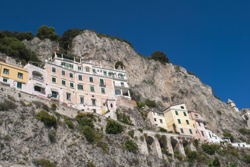 从阿马飞海岸,意大利的典型的房子 免版税图库摄影