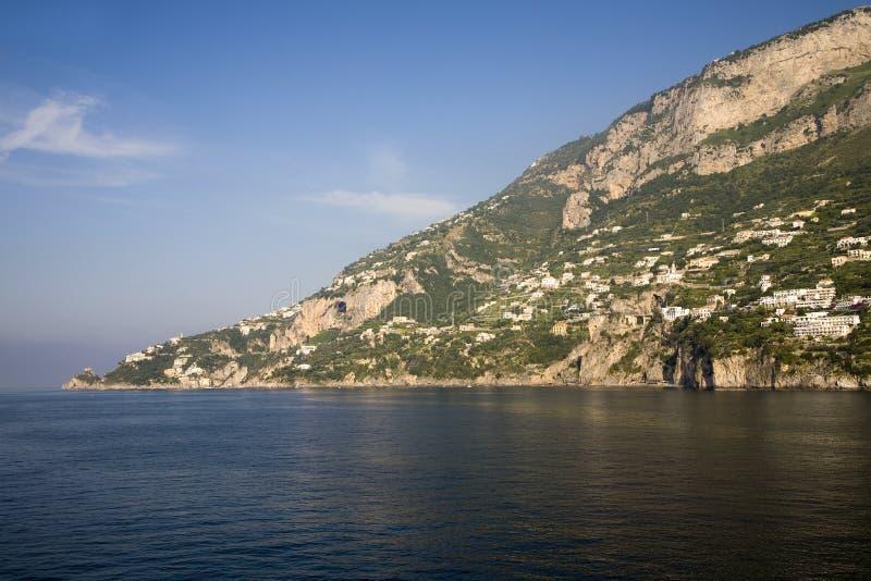 阿马飞海视图,萨莱诺省的一个镇,大约褶皱藻属,意大利,萨莱诺海湾的, 24英里southeas 免版税图库摄影