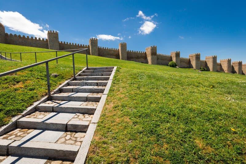 阿维拉,西班牙,联合国科教文组织名单风景中世纪城市墙壁 库存照片